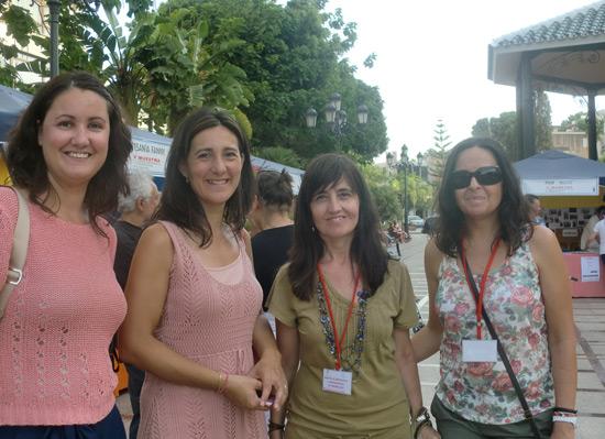 Almudena Gallego y Yolanda Talavera de la Fundación Anna O. con Paqui Calmaestra, Susana Aragüez del Centro de Información a la Mujer de Torremolinos